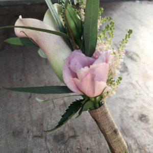 bloemen roels corsage