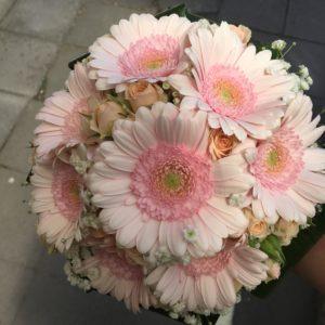 bloemen roels bruidsboeket