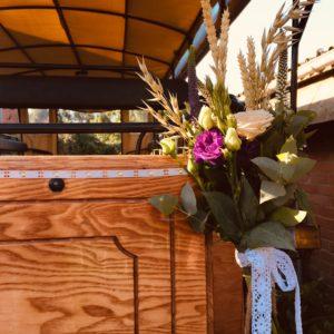 bloemen roels zaaldecoratie huifkar
