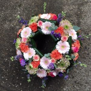 bloemen roels urnekrans